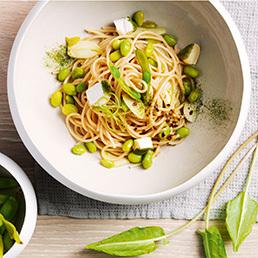 Spaghetti mit Edamame-Sauce