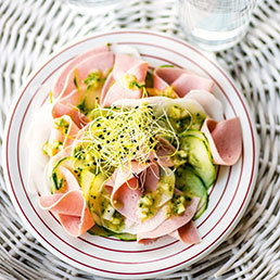 Wurstsalat  mit Rettich  und Gurken
