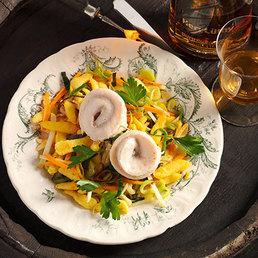 Whisky-Forellenröllchen auf Gemüse-Knöpfli