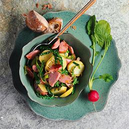 Kartoffel-Wurst-Salat mit Gemüse