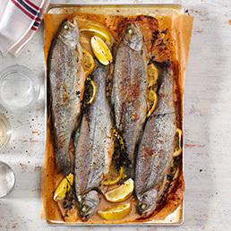 Ofen-Forellen mit Kräuter-Zucchetti