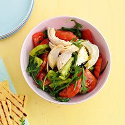Farbiger Tomaten-Poulet-Salat