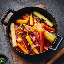 Geschmortes Gemüse mit Orangen