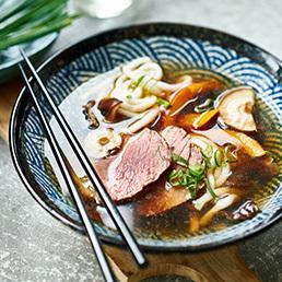 Ramen-Suppe mit Rindfleisch