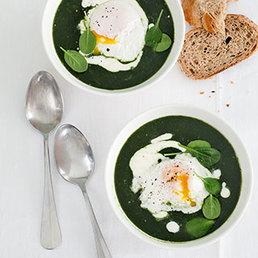 Soupe aux épinards et œuf mollet