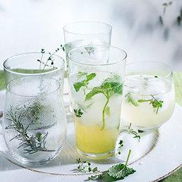 Limonade aux herbes et glaçons aux herbes