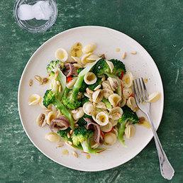 Orecchiette mit Broccoli und Sardellen