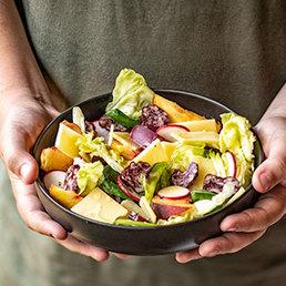 Salade estivale au fromage d'alpage