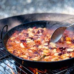 Baked Beans aus der Feuerpfanne