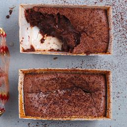 Mini-Lava-Cakes mit Kirschstängeli