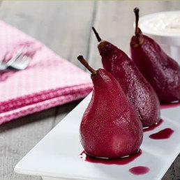 Rotweinbirnen mit weissem Schokolade-Espuma