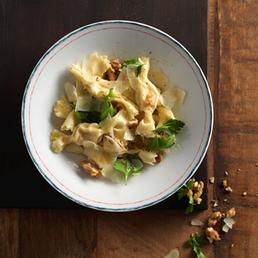 Caramelle con noci e gorgonzola