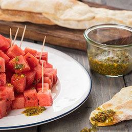 Schwiegermutterzunge mit Wassermelonen Carpaccio