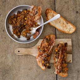 Baked Beans auf Brot