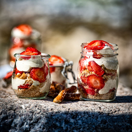 Erdbeer-Tiramisu  mit Salzbrezeli