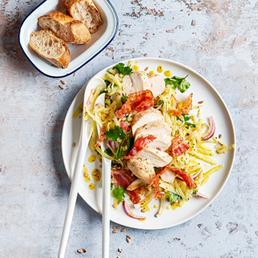 Salat mit Kohlrabi, Poulet und Speck