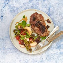 Steak au poivre et salade d'été