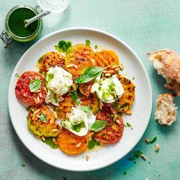 Grillierter Tomaten- Büffelmozzarella-Salat