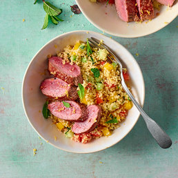Couscous-Salat mit Lammnierstück