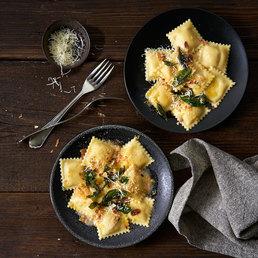 Sbrinz-Ravioli mit Zitronen-Basilikum-Butter