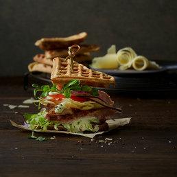 Sandwich-gaufre au blé noir et au Sbrinz