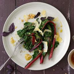 Krautstiel-Salat  mit  Sesamvinaigrette