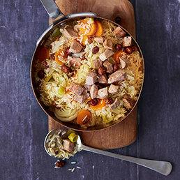 Pilaw-Reis mit Kalbfleisch, Gemüse und Haselnüssen