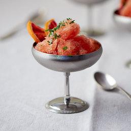 Campari-Blutorangen-Granita mit Pfefferminzzucker
