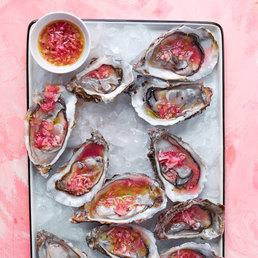 Austern mit Pink-Grapefruit-Vinaigrette