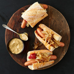 Hotdog mit Sauerkraut
