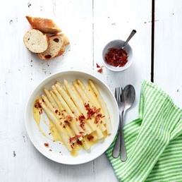 Asperges et sauce hollandaise au jambon cru