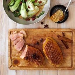 Entenbrust auf  Pak-Choi-Cranberry-Gemüse
