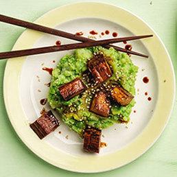 Gebratener Tofu mit Erbsen-Mash