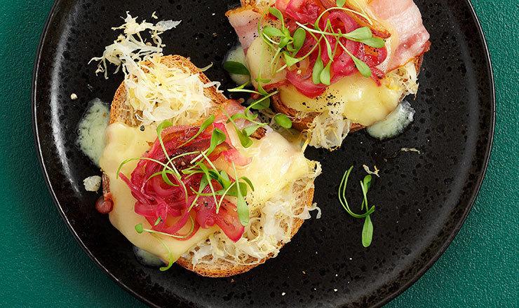 Sauerkraut-Raclette-Schnitten