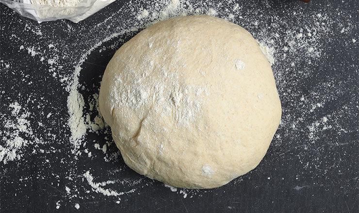 Hefeteig (Grundrezept z.B. für Pizza, Fladenbrot)