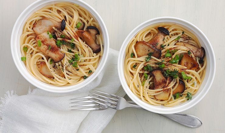 Spaghetti mit Kräuterseitlingen und brauner  Butter