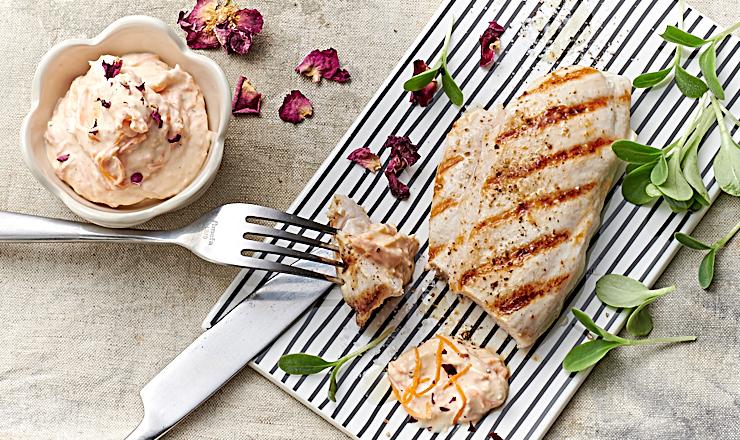Rosen-Rüebli-Sauce mit grilliertem Poulet