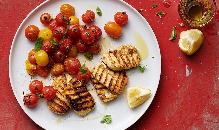 Salade de tomates grillées et halloumi