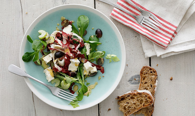 Pikanter Trauben-Stangensellerie-Salat