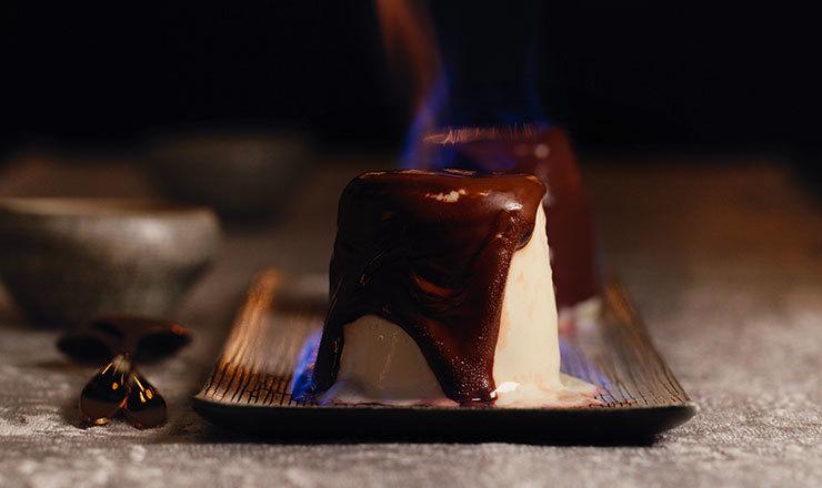 Grand-Marnier-Parfait mit Schokoladeüberzug