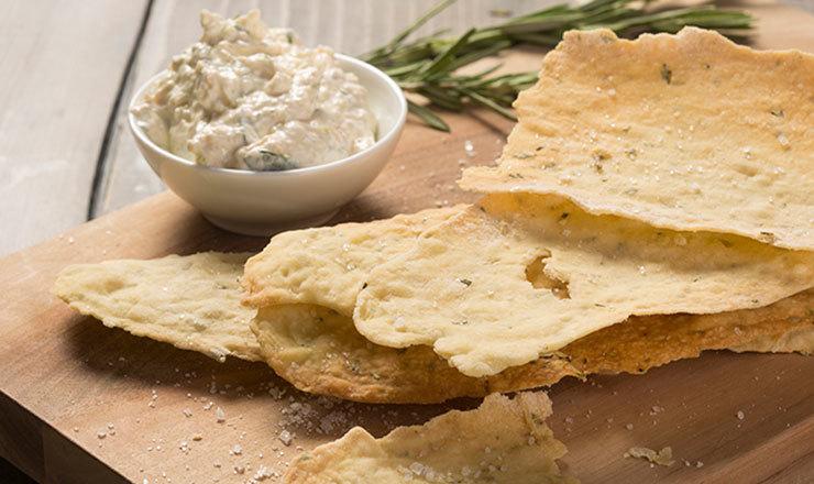 Lingua di Suocera mit Käse-Dipp