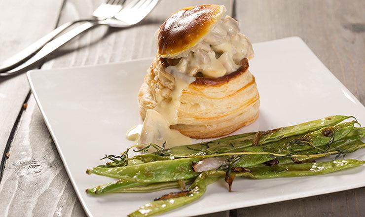 Pastetli mit Kalbfleisch, Kalbsbries und Champignons