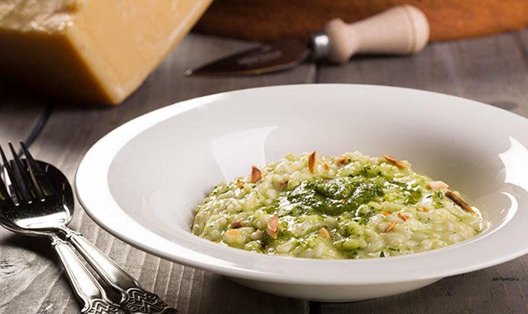Risotto mit 2 Käsen und Peterli-Pesto