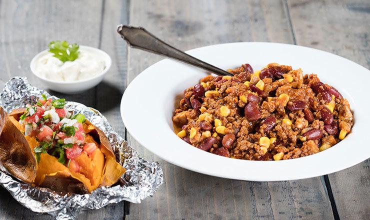 Baked potatoes mit Salsa Mexicana