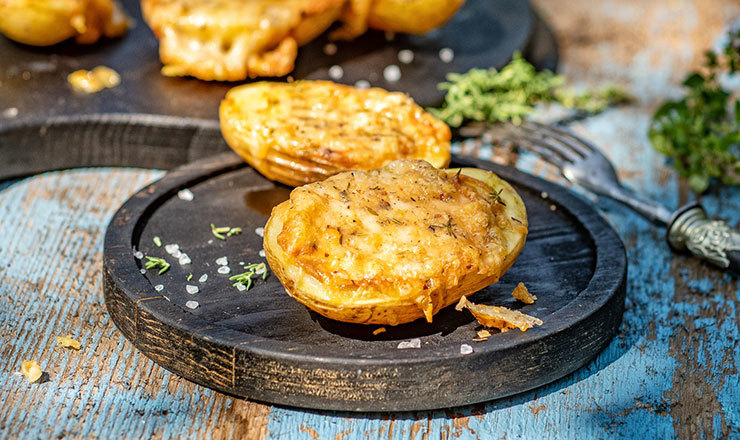 Ofenkartoffeln mit dicker Käsekruste