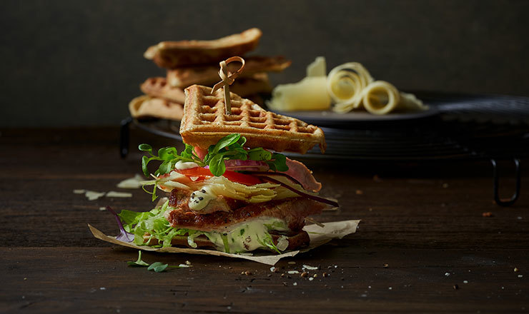 Sbrinz-Buchweizen-Waffelsandwich