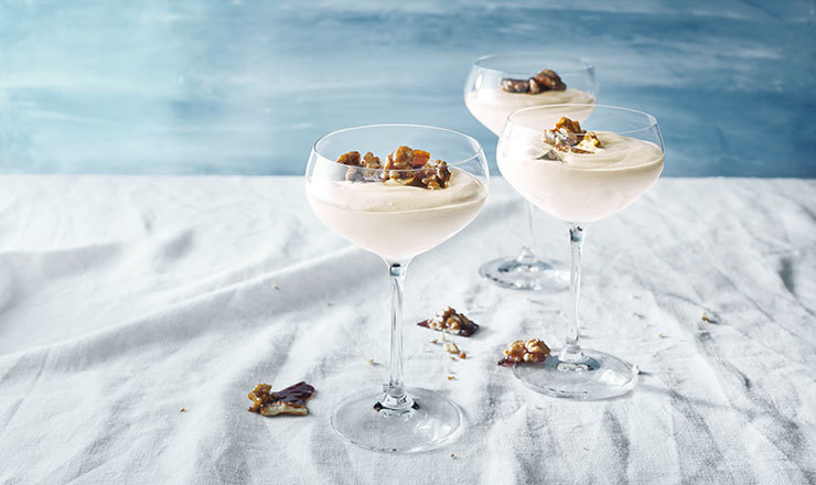 Espresso-Quark-Crème mit Baumnusskrokant