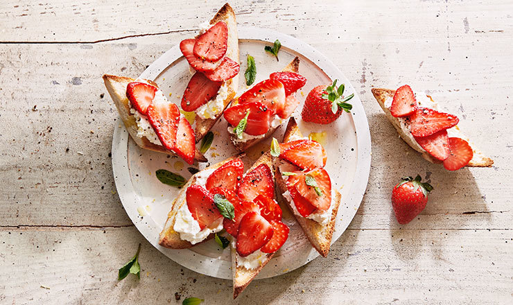Crostinis aux fraises