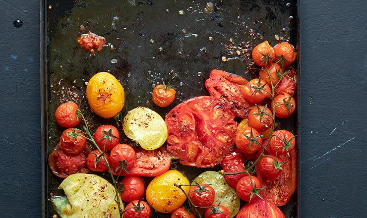 Tomaten vom Blech mit Tabil-Gewürz